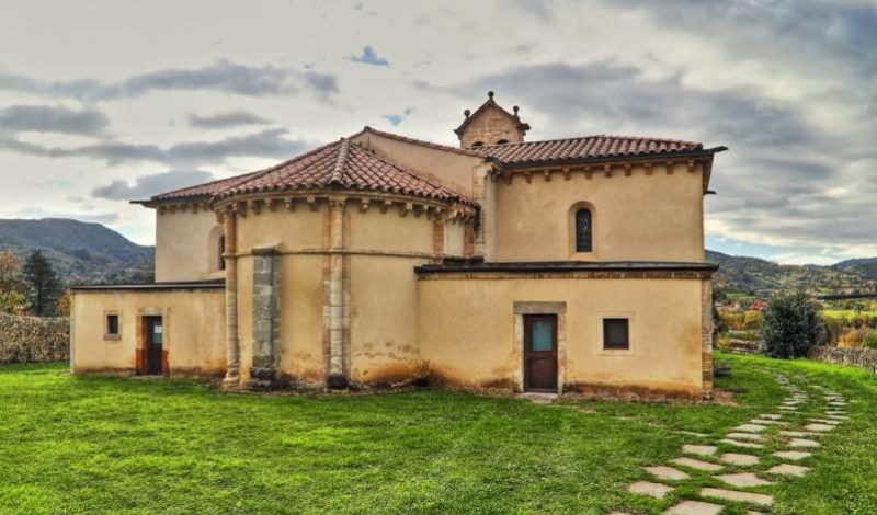 Iglesia de San Juan de Priorio en Oviedo