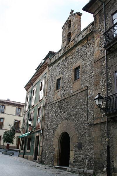 400px-Capilla_museo_jovellanos